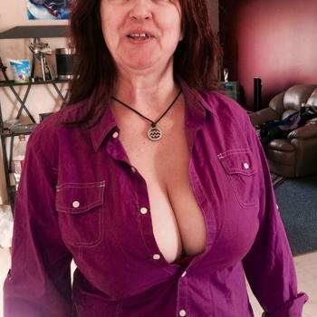 Carti, Frau 46 jahre alt sucht einen Mann