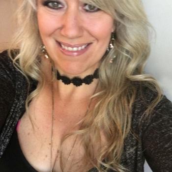MimiMee, Frau 45 jahre alt sucht einen Mann